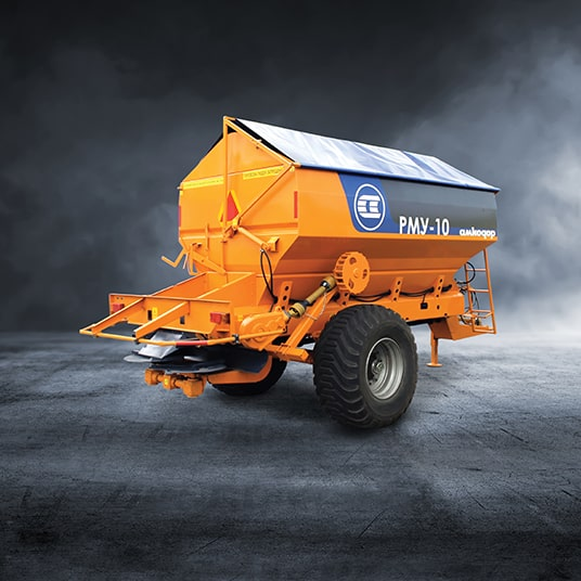 Mineral fertilizer spreaders